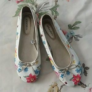 Patent white floral ballet flats NWOT